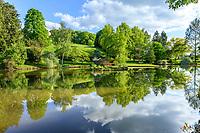 France, Cher (18), Apremont-sur-Allier, labellisé Plus Beaux Villages de France, Parc Floral d'Apremont-sur-Allier, un des étangs du parc