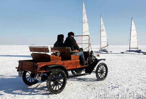 T-ford  op het ijs van de Gouwzee