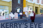 Residents & South Kerry Locals stand together at the Skellig Star Direct Provision Centre in Cahersiveen on Tuesday.