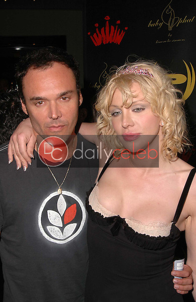 Dave Matthews and Courtney Love<br />