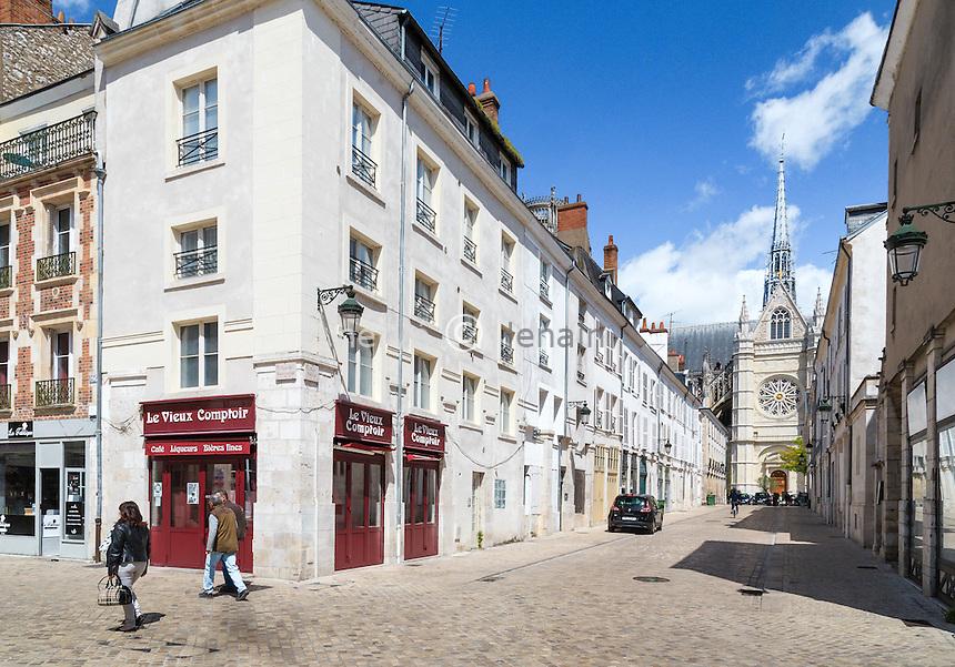 France, Loiret (45), Orléans, angle rue de Bourgogne et rue Pothier // France, Loiret, Orleans, corner Bourgogne street and Pothier street