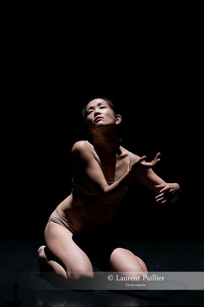 IS IT WORTH TO SAVE US ? <br /> <br /> Direction : Kaori Ito<br /> Chor&eacute;graphie et texte : Kaori Ito &amp; Mirai Moriyama<br /> D'apr&egrave;s &quot;Une belle plan&egrave;te&quot; deYukio Mishima<br /> Costumes : Aurore Thibout<br /> Lumi&egrave;res : Arno Veyrat<br /> Design sonore : Adrien Maury<br /> Date : 25/10/2018<br /> Lieu : MAC<br /> Ville : Cr&eacute;teil<br /> &copy; Laurent Paillier / photosdedanse.com