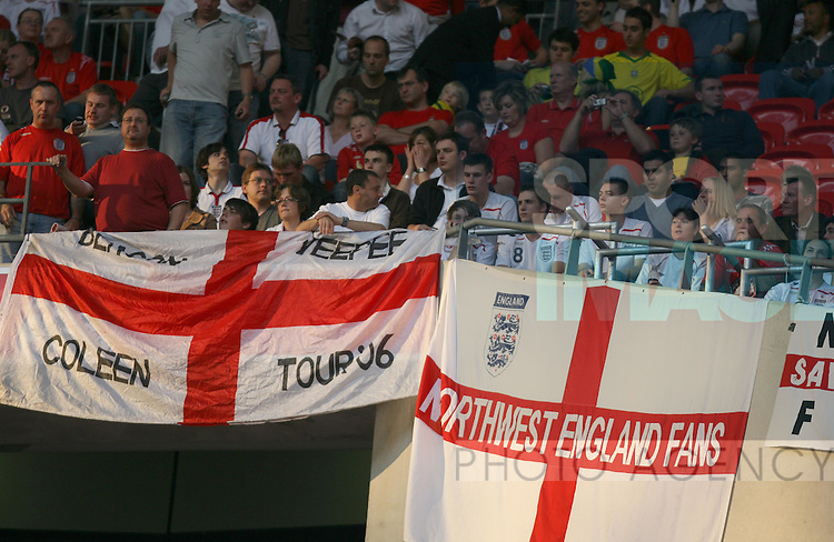 England fans with flags..International Friendly..England v Brazil..1st June, 2007..--------------------..Sportimage +44 7980659747..admin@sportimage.co.uk..http://www.sportimage.co.uk/