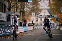 Ben Turner (GBR) beats Timo Kielich (BEL) in the sprint to the finish line<br /> <br /> Junior + U23 men's race<br /> Soudal Jaarmarktcross Niel 2018 (BEL)