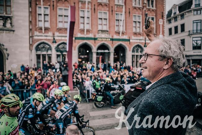 Mayor of Bruges, Renaat Landuyt, giving the start shot. <br /> <br /> <br /> 2nd Elfstedenronde 2018<br /> 1 day race: Brugge - Brugge 196.3km