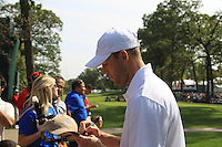 Chicago Bears kicker Robbie Gould (USA) signs autographs on the 1st tee for the Captains/Celebrity scramble exhibition during Monday's Practice Day of the 39th Ryder Cup at Medinah Country Club, Chicago, Illinois 25th September 2012 (Photo Eoin Clarke/www.golffile.ie)