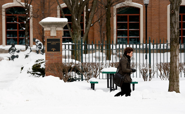 Students make their way through the Quad at the Lincoln Park Campus of DePaul University in Chicago, Tuesday, Jan. 7, 2014. (Photo by Jamie Moncrief)