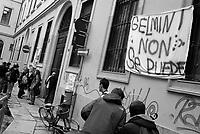 Milano, sulla facciata del Liceo Classico Statale Tito Livio scritte di protesta contro la riforma dell'istruzione --- Milan, writings on the wall of Tito Livio high school building against the school reform
