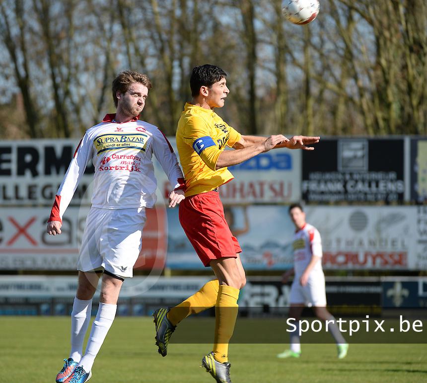 FC Gullegem - Racing Waregem : kopduel tussen Ouisssem Zarti (r) en Yoeri Flederick (l)<br /> foto VDB / BART VANDENBROUCKE