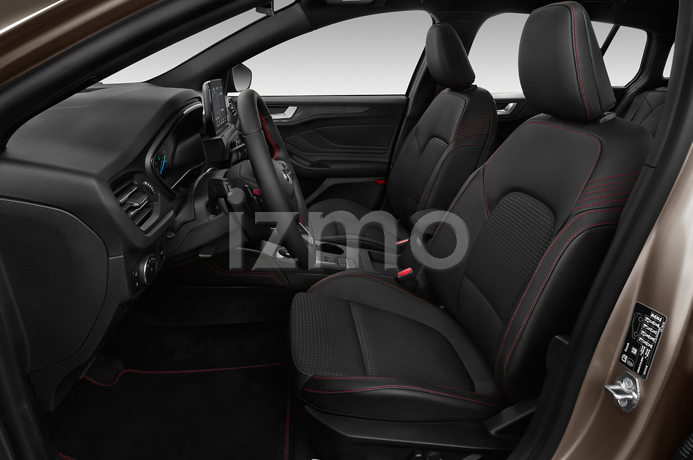 Front seat view of a 2019 Ford Focus-Clipper  ST-Line 5 Door Wagon front seat car photos