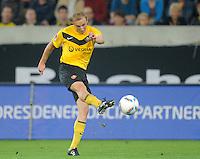 Fussball, 2. Bundesliga, Saison 2011/12, SG Dynamo Dresden - Eintracht Frankfurt, Montag (26.09.11), gluecksgas Stadion, Dresden. Dresdens Muhamed Subasic am Ball.
