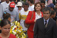 Assassinato irmã Dorothy Stang<br />O corpo da missionária americana Dorothy Stang, da congregação irmãs de Notre Dame, 73 anos, é enterrado em Anapú. Irmã Dorothy foi assassinada brutalmente as 7: 30 da manhã do dia 12/02/2005 quando saia de uma casa no assentamento feito pelo Incra conhecido como  PDS Esperança. Conforme os  levantamentos preliminares a religiosa foi morta com 9 tiros , dois dos quais na cabeça.<br />Anapú, Pará, Brasil<br />15/02/2005<br />Foto Paulo Santos