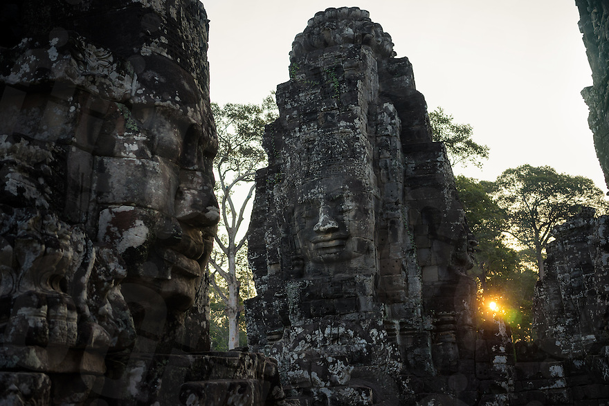 March 31, 2014 - Siem Reap. Sun rises over Angkor Thom. © Thomas Cristofoletti / Ruom