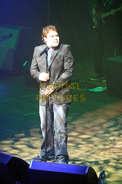 DANIEL BEDINGFIELD.Live in concert, Nottingham Royal Centre, Nottingham, .8th March 2005..full length beddingfield on stage gig pinstripe pin stripe jacket .Ref: JEZ.www.capitalpictures.com.sales@capitalpictures.com.©Jez Self/Capital Pictures