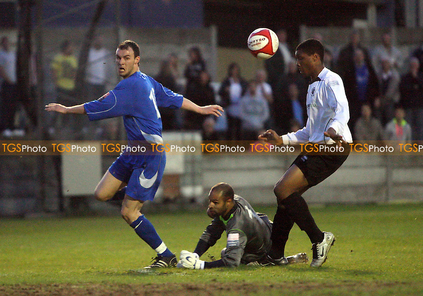 Martin Tuohy of Aveley gets his shot on target but the ball is cleared off the line - Aveley vs Boreham Wood - Ryman League Premier Division Play-Off Semi-Final at Mill Field - 26/04/10 - MANDATORY CREDIT: Gavin Ellis/TGSPHOTO - Self billing applies where appropriate - Tel: 0845 094 6026