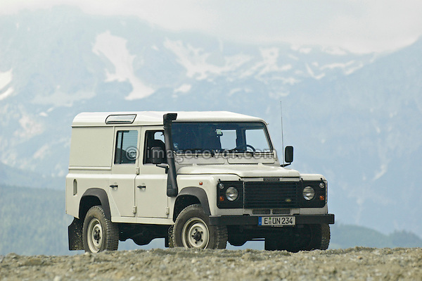 Austria, Boesenstein Offroad Classic, Hohentauern, Steiermark, 25-26.06.2005. Joerg Strackbein: Land Rover Defender 110 Station Wagon TD5 2003, Reg: EUN234. --- No releases available. Automotive trademarks are the property of the trademark holder, authorization may be needed for some uses.