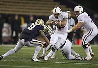 Oct 30, 20010:  Stanford running back #25 Tyler Gaffnet breaks through a hole against Washington.  Stanford defeated Washington 41-0 at Husky Stadium in Seattle, Washington.