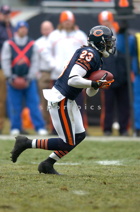 DEVIN HESTER, of the Chicago Bears  in action during the  Bears game against the New Orleans Saints on December 30, 2007 in Chicago, Illinois...BEARS win 33-25..SportPics