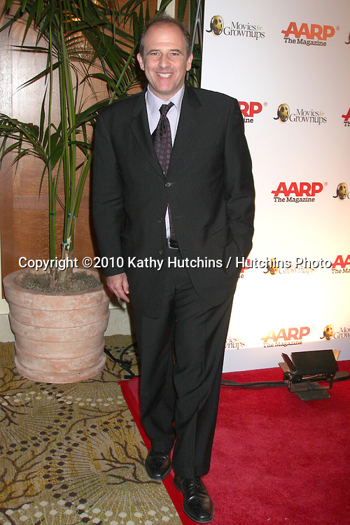 Michael Hoffman.arriving at the Ninth Annual AARP the Magazine`s Movies for Grownups Awards Gala .Beverly Wilshire Hotel.Beverly Hills, CA.February 16, 2010.©2010 Kathy Hutchins / Hutchins Photo....