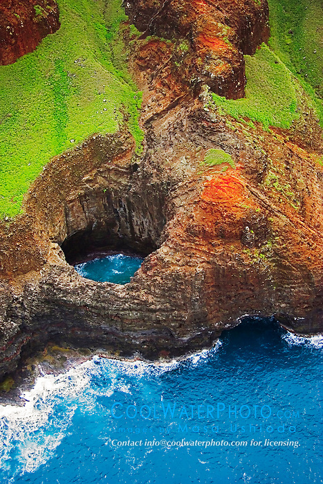 Open-ceiling cave, Na Pali coast, Kauai, Hawaii, Pacific Ocean