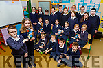 Jamie O'Donoghue, Katie Courtney and the pupils from Barraduff NS who have a cook book Barraduff Bites locally sourced Tradional family recipes front row l-r: Oisin O'Sullivan, Ignatius O'Leary, Padraig O'Sullivan, Eoghan Kelly. Middle row: Nicole Cronin, Alisha heapes, Rebecca O'Sullivan, Gemma Murphy, Eire Landy, Sorcha O'Sullivan, back row: Caoimhe Moynihan, Erika Forestal, Tristan O'Brien, Ciara Furlong, Michael o'Leary, Geraldine Murphy, Joshua O'Sullivan, Caoimhe Kelly, Ryan Kelly, Shauna Heapes and Ryan Mullally