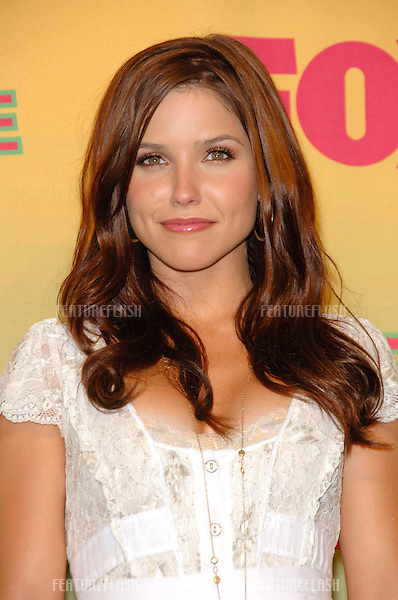 Actress SOPHIA BUSH at the 2006 Teen Choice Awards at Universal City, Hollywood.20AUG2006  Los Angeles, CA.© 2006 Paul Smith / Featureflash