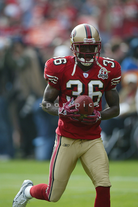 SHAWNTAE SPENCER, of the San Francisco 49ers ,during their game against  the Seattle Seahawks  on Novmeber 19, 2006 in San Francisco, CA...49ers win 20-14..Rob Holt / SportPics