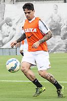 SÃO PAULO, SP, 17.11.2015 - FUTEBOL-CORINTHIANS -  Fagner jogador do Corinthians durante sessão de treinamento no Centro de Treinamento Joaquim Grava na região leste de São Paulo nesta terça-feira, 17. (Foto: Marcos Moraes/Brazil Photo Press)