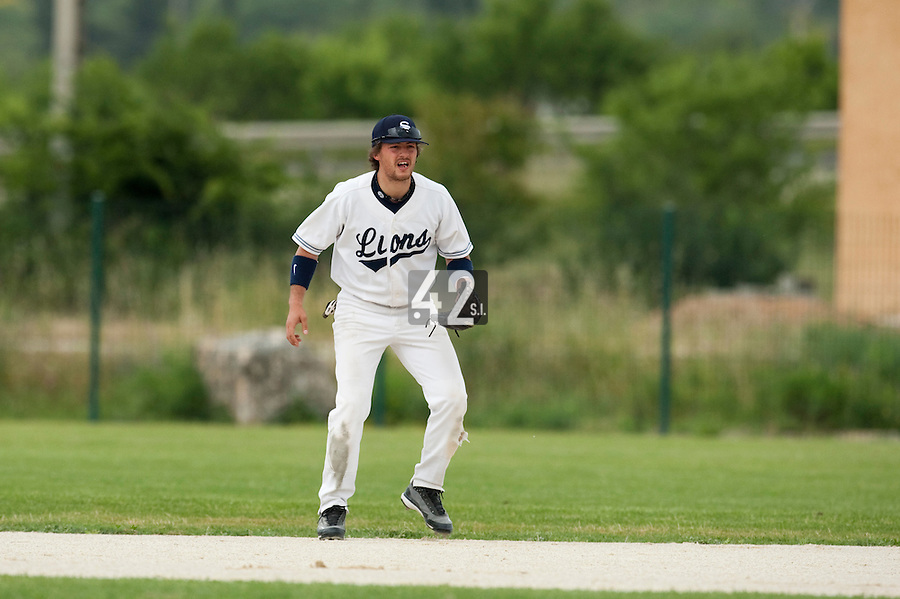 21 May 2009: Romain Scott-Martinez is seen in the infield during the 2009 challenge de France, a tournament with the best French baseball teams - all eight elite league clubs - to determine a spot in the European Cup next year, at Montpellier, France.