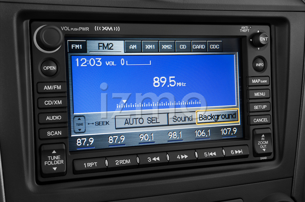 Stereo audio system close up detail view of a 2008 Honda CRV