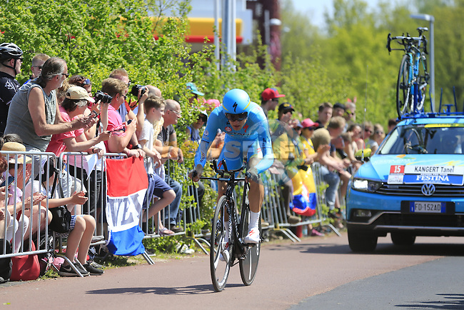 Tanel Kangert (EST) Astana in action during Stage 1 of the 2016 Giro d'Italia, an individual time trial of 9.8km around Apeldoorn, The Nethrerlands. 6th May 2016.<br /> Picture: Eoin Clarke | Newsfile<br /> <br /> <br /> All photos usage must carry mandatory copyright credit (&copy; Newsfile | Eoin Clarke)