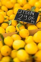 Europe/France/Provence-Alpes-Côte d'Azur/Alpes-Maritimes/Nice:  Citrons de Menton sur le Marché Cours Saleya   //   Europe, France, Provence-Alpes-Côte d'Azur, Alpes-Maritimes, Nice:  Cours Saleya Market; Menton lemons