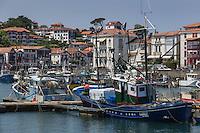France, Pyrénées-Atlantiques (64), Pays-Basque, Saint-Jean-de-Luz :Le port de pêche  et le  Thonier Canneur: Airosa // France, Pyrenees Atlantiques, Basque Country, Saint Jean de Luz: the Fishing port and Airosa Line tuna vessel