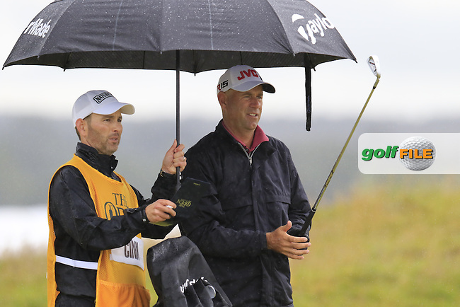 Stewart CINK (USA) prepares to play his 2nd shot on the 4th hole during Sunday's Round  of the 144th Open Championship, St Andrews Old Course, St Andrews, Fife, Scotland. 19/07/2015.<br /> Picture Eoin Clarke, www.golffile.ie