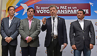 BOGOTÁ -COLOMBIA. 25-10-2015. Juan Manuel Santos, presidente de Colombia durante rueda de prensa para entregar un informe de la jornada de elecciones regionales 2015 en Bogotá, Colombia, hoy 25 de octubre de 2015. Los colombianos elegirán por voto directo en las urnas 1.102 alcaldes, 32 gobernadores, además de concejales, diputados y ediles en juntas administradoras locales./ Juan Manuel Santos, president of Colombia, during a press conference to file a report about regional elections 2015 in Bogota, Colombia, today October 25, 2015. Colombians will elect by direct vote at the polls 1,102 mayors, 32 governors, along with councilors, deputies and councilors in local boards. Photo: VizzorImage /  Cesar Carrion - SIG