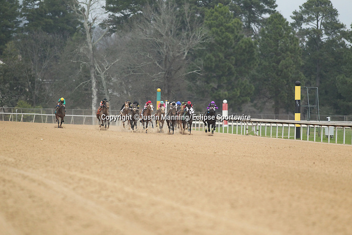 February 17, 2020: The Razorback Handicap at Oaklawn Racing Casino Resort in Hot Springs, Arkansas on February 17, 2020. Justin Manning/Eclipse Sportswire/CSM