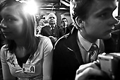 """PHOTO: ADAM LACH / MANUAL AGENCY / EAST NEWS ..13/12/2006 WROCLAW - ZESPOL SZKOL NR 6 IM. AGNIESZKI OSIECKIEJ_ CENTRALNE OBCHODY 25-LECIA WYBUCHU STANU WOJENNEGO _ N/Z PREZYDENT LECH KACZYNSKI PRZED POPROWADZENIEM LEKCJE """"STAN WOJENNY OCZAMI PREZYDENTA RP"""" WSROD UCZNIOW"""
