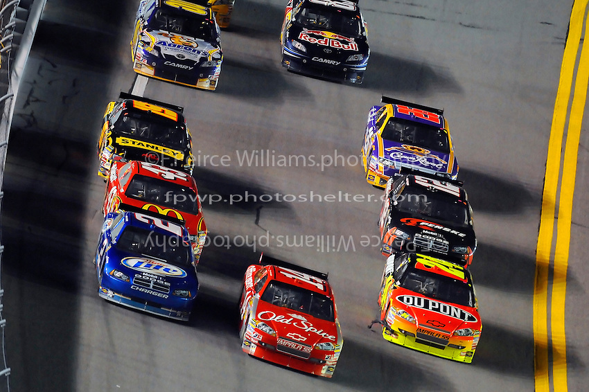 6-7 February  2009, Daytona Beach, Florida USA.Kurt Busch (2), Tony Stewart (14) and Jeff Gordon at the front..©F.Peirce Williams 2009.Daytona International Speedway: Bud Shootout.F. Peirce Williams.photography