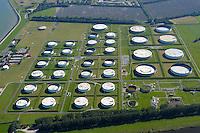 4415/Oellager: EUROPA, DEUTSCHLAND, NIEDERSACHSEN, WILHELMSHAVEN 09.09.2004:Oellager, Jade Wilhelmshaven- Voslapp, Tank, Lagerung,   Luftbild, Luftansicht