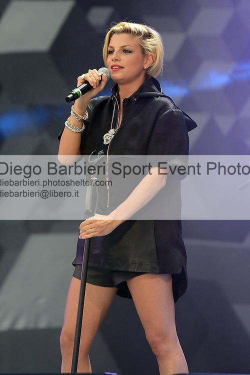 (KIKA) - TORINO, 29/06/2012 - Emma si esibisce durante la prima serata degli MTV Days in piazza Castello a Torino, il 29 giugno 2012.