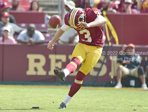 Washington Redskins kicker Dustin Hopkins (3) kicks-off after his team scored a touchdown in the first quarter against the Cleveland Browns at FedEx Field in Landover, Maryland on October 2, 2016.<br /> Credit: Ron Sachs / CNP