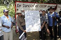 Messico,Guerrero, Acapulco,La Parota.Il progetta di una mega diga bloccato dalle proteste degli abitanti.28 Novembre 2010.Tappa della carovana di Via Campesina partita da Acapulco per partecipare al forum alternativo per la Vita e la giustizia ambientale e sociale.Mexico, Cuernavaca.Convoy of Via Campesina to COP 16, Cancun