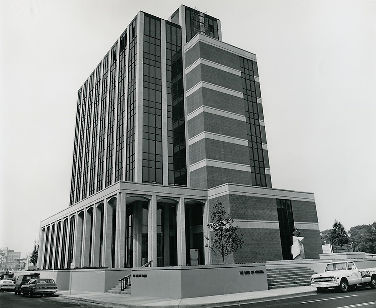 1970 May 01..Redevelopment...Downtown South (R-9)..Bank of Virginia Building..Millard Arnold.NEG# MDA70-51-5.NRHA#..