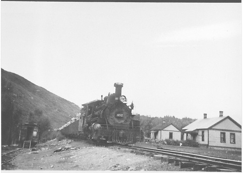 Leased D&amp;RGW #452 with an eleven-car freight works through Hesperus, CO.<br /> RGS  Hesperus, CO  Taken by Peyton, Ernie S. - 9/1946