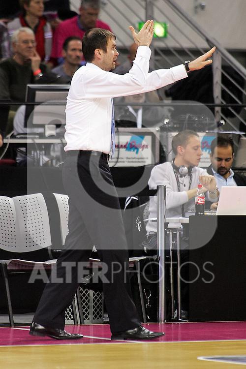 15.10.2010,  Telekom-Dome, Bonn, GER, BBL, Telekom Baskets Bonn vs ALBA Berlin, 14. Spieltag, im Bild: Luka Pavicevic (Trainer Berlin)  Foto © nph / Mueller