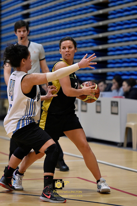 Teesha Smith in action during the WBC - Te Tai Takerau Pheonix v Taranaki Thunder at Te Rauparaha Arena, Porirua, New Zealand on Friday 5 June 2015.<br />