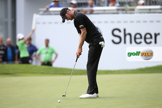 Chris Wood (ENG) putting for birdie on the 9th during Round One of the 2015 BMW International Open at Golfclub Munchen Eichenried, Eichenried, Munich, Germany. 25/06/2015. Picture David Lloyd | www.golffile.ie