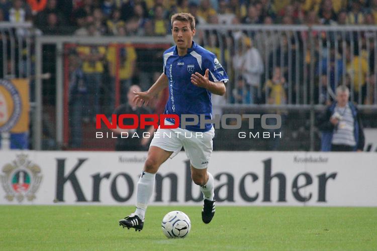 RLN 2007/2008 1. Spieltag Hinrunde<br /> Eintracht Brauschweig - Kickers Emden <br /> <br /> Stefan Nachtigall #6 von Kickers Emden <br /> <br /> Foto: &copy; nph ( nordphoto )<br /> <br />  *** Local Caption ***