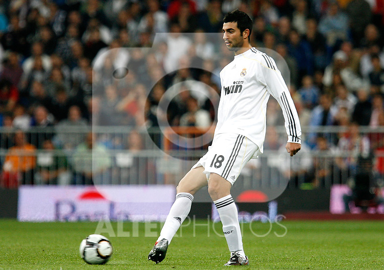Real Madrid's Raul Albiol during La Liga match. October 17, 2009. (ALTERPHOTOS).