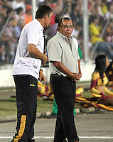 IBAGUE -COLOMBIA, 7-07-2013.Jorge Luis Bernal drector técnico del Itagüi en acción durante partido contra el Deportes Tolima ,torneo Liga Postobón, fecha 6, de la Liga Postobón 2013-1 jugado en el estadio Manuel Murillo Toro de la ciudad de Ibagué./ Jorge Luis Bernal Drector Itagüi coach in action during match against Deportes Tolima, Postobón League tournament, dated 6, the League played in 2013-1 Postobón Manuel Murillo Toro stadium in Ibague<br /> . Photo: VizzorImage/ Felipe Caicedo/ STAFF